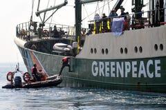 Activistas de Greenpeace imagen de archivo libre de regalías