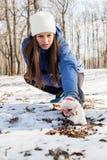 Activité d'hiver de femme de forme physique Images libres de droits