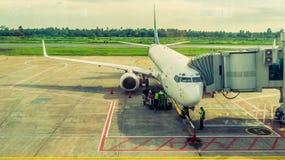 Activité dans l'aéroport Concept de voyage et de transport Images stock