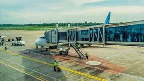 Activité dans l'aéroport Concept de voyage et de transport Images libres de droits
