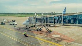 Activité dans l'aéroport Concept de voyage et de transport Photos stock
