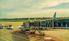 Activité dans l'aéroport Concept de voyage et de transport Image libre de droits