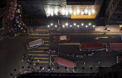 Activité mobile sur la scène de rue passante dans la ville Images libres de droits