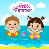 Activités d'été d'amusement pour des enfants L'été badine le vecteur Garçon et fille mignons avec l'anneau de bain illustration libre de droits