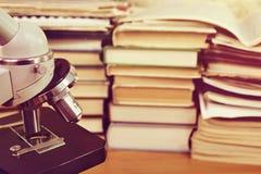 Activités de recherche Rétro éducation et science image libre de droits