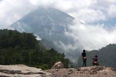 Activités des personnes sur les pentes du mont Merapi Photographie stock