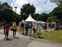 Activités en plein air pour des enfants et des parents Photo stock