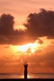 Activitiy : Yoga au lever de soleil Photo stock