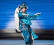 """acto de XIAOQING-The del uniforme militar el quinto roba el  blanco inmortal-Kunqu de Opera""""Madame Snake†Imágenes de archivo libres de regalías"""