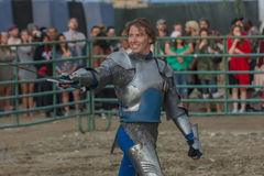 Actor como caballero medieval Fotos de archivo libres de regalías