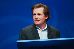 Actor Michael J. Fox levert een adres Stock Afbeelding
