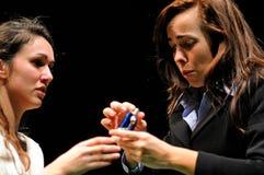 Actoren van het het Theaterinstituut van Barcelona, spel in de komedie Shakespeare voor de Uitvoerende macht royalty-vrije stock afbeeldingen