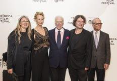 Actores británicos celebrados Janet McTeer y Christopher Plummer en la premier 2017 de película de Tribeca del ` el ` de la excep Foto de archivo libre de regalías