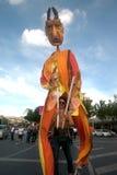 Actores que sostienen marionetas en Harmony World Puppet Carnival en Bangkok Imagen de archivo libre de regalías