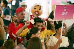 Actores que sostienen marionetas en Harmony World Puppet Carnival en Bangkok Fotografía de archivo libre de regalías