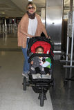 Actress Ellen pompeo with daughter at LAX airport Royalty Free Stock Image
