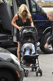 Actress Jane Krakowski with baby at LAX airport Royalty Free Stock Images
