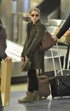 Actrice Anna Kendricks à l'aéroport de LAX Image libre de droits