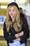 Actrice Chloe Moretz à l'aéroport de LAX Photographie stock