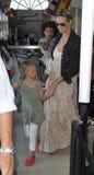 Actrice/Heidi modèle Klum avec des gosses à l'aéroport de LAX Images stock