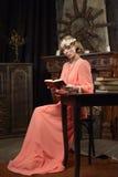 Actrice op de scène Stock Afbeelding