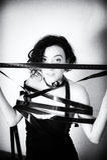 Actriz atractiva con el vintage p blanco y negro de la tira de película de la película Foto de archivo libre de regalías