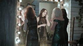 Actriz delante de un espejo metrajes