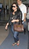 Actriz Demi Lovato del cantante en el aeropuerto de LAX imagen de archivo