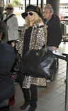 Actriz Nicole Richie no aeroporto RELAXADO imagem de stock royalty free