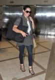 Actriz Olivia Munn en el aeropuerto de LAX imagen de archivo libre de regalías