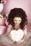 Actual del retrato de la muchacha, romántico surpri abierto adolescente joven hermoso Fotografía de archivo libre de regalías