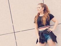 Actual equipo adolescente de moda del verano Imagen de archivo