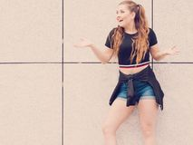 Actual equipo adolescente de moda del verano Imagenes de archivo