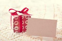 Actuales cajas y tarjeta en blanco del mensaje Imagenes de archivo