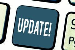ACTUALIZACIÓN del texto de la escritura El significar del concepto actualizado hace algo una versión más reciente más moderna o m fotos de archivo libres de regalías