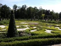 Acu w Wilanowie 'paÅ '³ Å wokà PiÄ™kne ogrody Красивые сады вокруг дворца в ³ w Wilanà стоковое фото rf