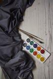 Acuarela con el fondo de seda azul Imagenes de archivo