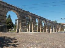 Acueducto de Aqueduto de Sao Sebastiao en Coímbra Foto de archivo