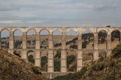 Acueducto de Arcos del Sitio para el abastecimiento de agua en Tepotzotlan Imagen de archivo