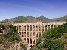 Acueducto en Costa del Sol. España Foto de archivo