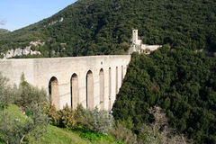 Acueducto en Spoleto, Italia, Europa fotos de archivo libres de regalías