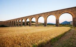 Acueducto nära Pamplona Arkivfoton