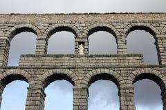 Acueducto romano antiguo en Segovia, España Foto de archivo