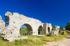 Acueducto romano cerca de Meunerie Fotografía de archivo libre de regalías