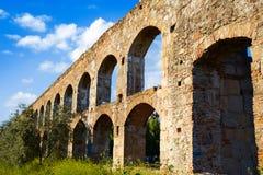 Acueducto San Lazaro in Merida Badajoz-Aquädukt Lizenzfreie Stockfotos