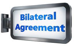 Acuerdo bilateral en fondo de la cartelera Imagen de archivo libre de regalías