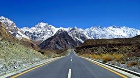 acuerdo, carretera de Karakoram, la carretera internacional más alta, Paquistán imagen de archivo libre de regalías