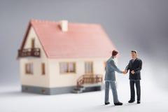 Acuerdo de las propiedades inmobiliarias Imagenes de archivo