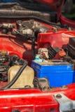 Acumulação da corrosão na bateria de carro imagens de stock