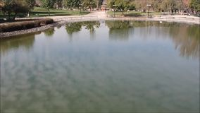 acumule en un parque en Santiago, Chile metrajes